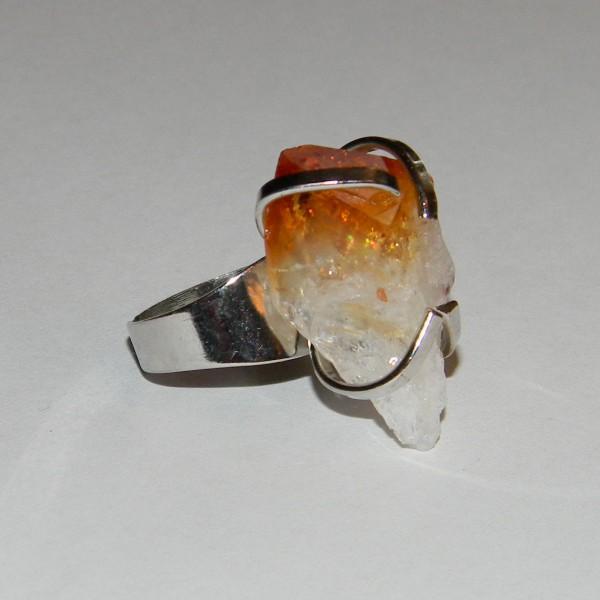 Кольцо с кристаллом цитрина